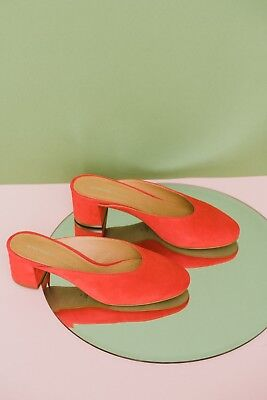 BNIB Intentionally Blank Daisy Mule Red Suede size 9 fits like 8