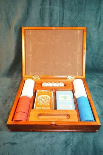 VINTAGE CLAY POKER CHIP SET WITH CARDS AND DICE IN WOOD BOX 100 CHIPS