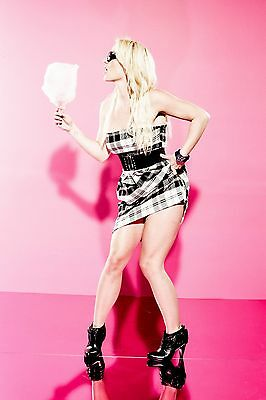 Britney Spears Unsigned 8x12 Photo (45)