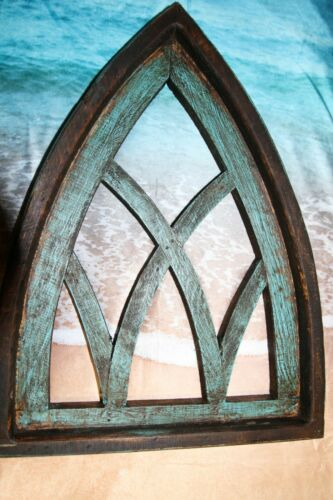 (1) Weathered Look Farmhouse Window Frame Gothic Cathedral Arches, Win-3