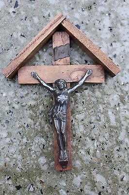 Lovely Small Vintage Wall Crucifix Cross Jesus Christ