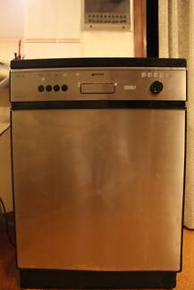 Stainless steel Dishwasher (Smeg - made in Italy)