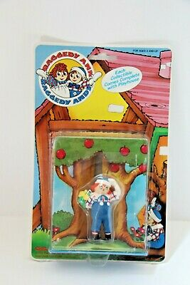 Vintage Raggedy Ann and Andy 1988 Collectible Doll with Playhouse. Tara Toy 3030 ()