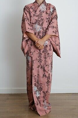 Authentic traditional vintage Japanese Omeshi silk kimono