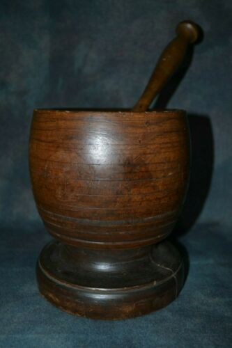 LARGE CHUNKY EARLY AMERICAN ANTIQUE WOODEN MORTAR AND PESTLE