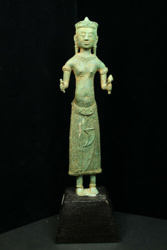 Rare Ancient Khmer Bronze Statue of Prajnaparamita 12th c Bayon Style Angkor Per
