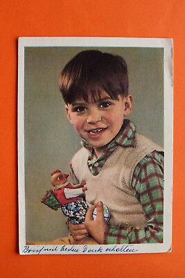 AK Kind Junge Bub mit Spielzeug Hühnchen Ostern Osterei 1950er Kleidung Mode (Jungen Ostern Kleidung)