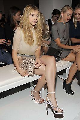 Chloe Grace Moretz Sitting Cross Legged 8X10 Picture Celebrity Print