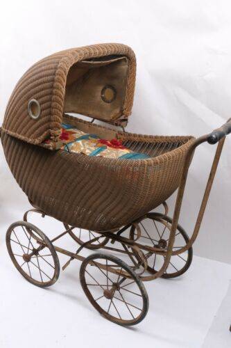 VINTAGE/ANTIQUE BABY DOLL STROLLER PRAM CARRIAGE BUGGY WICKER