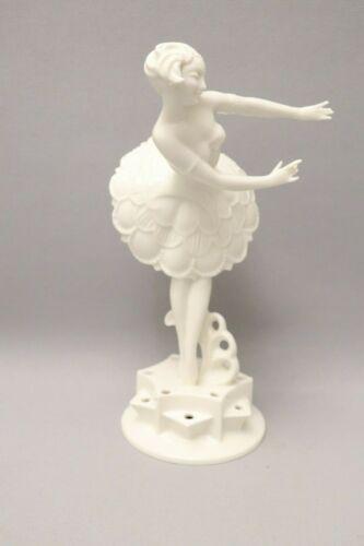 Type Deco Hutschenreuther Figure As Female Dancer, K.Tutter (38-0519)