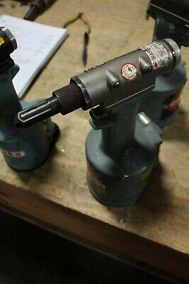 Cherry G784 Pneumatic Riveter