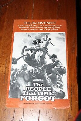 Original THE PEOPLE THAT TIME FORGOT MOVIE PRESSBOOK PATRICK WAYNE DOUG McCLURE