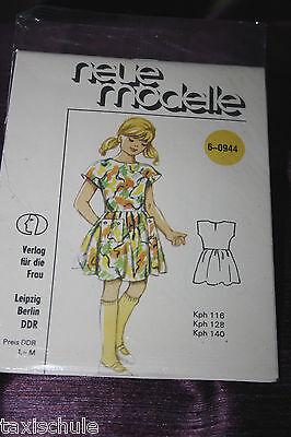 Original 80er Jahre DDR neue Modelle Mädchen Kleid Schnittmuster 6-0944  Retro