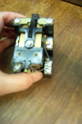 Nos Canadian General Electric Cr2790e100ch 141 10 Amp Relay