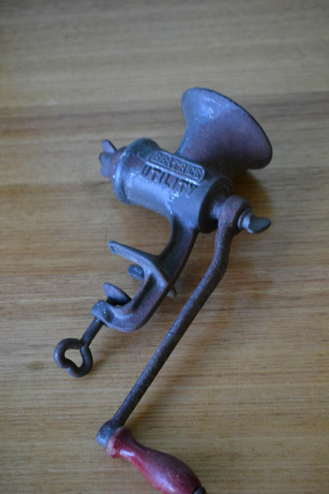 Vintage Hand Meat Mincer/Grinder Beatbrige Utility food chopper  England OT8