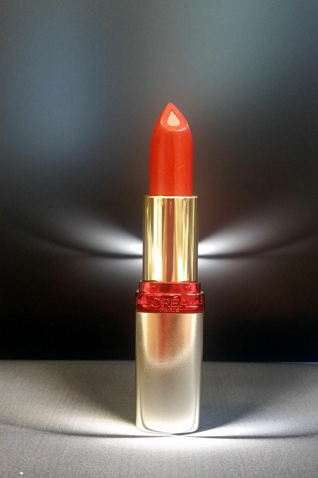 Loreal Color Riche Lippenstift Serum Lipstick S402 Radiant Orange Neu