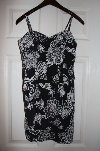 American Eagles Outfitters �� Women's Peplum  Sundress Black & White SZ:4