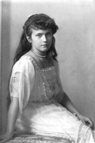 1915 Photo Russian Grand Duchess Anastasia Nikolaevna-Daughter Tsar Nicholas II
