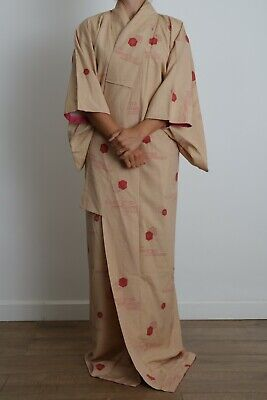 Authentic traditional vintage Japanese Kinsha silk kimono with ombre lining