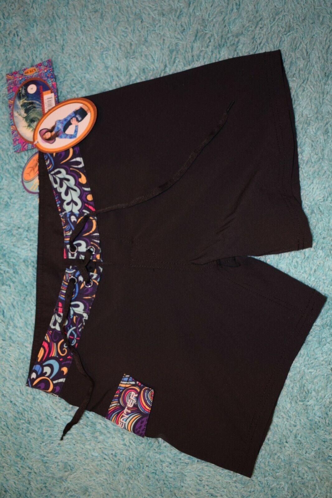 Women's Tormenter Board Shorts Black/Mulitcolor size 4