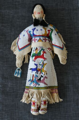 VINTAGE NATIVE AMERICAN FULLY BEADED LARGE TOM DOMIANI PICTORIAL DOLL SIOUX
