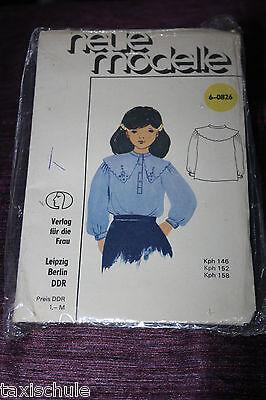 Original 80er Jahre DDR neue Modelle Mädchen Bluse Schnittmuster 6-0826  Retro