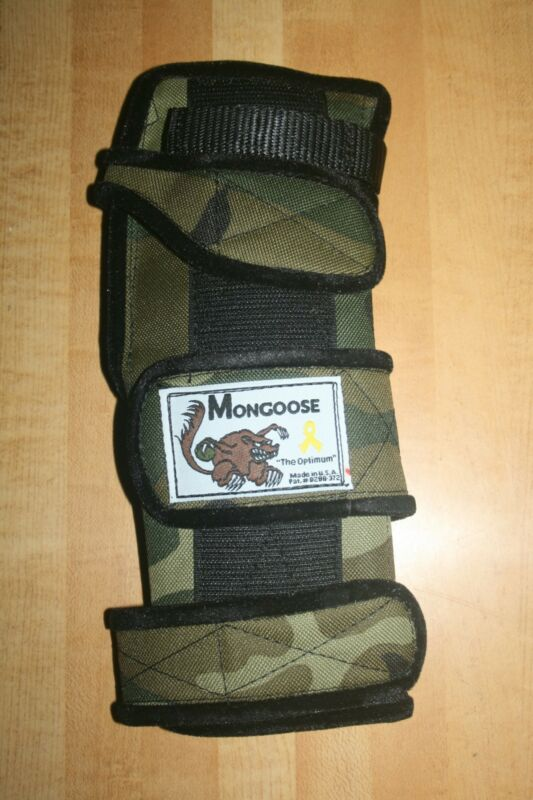 "Mongoose ""Optimum"" bowling Wrist Support, SROC, Right hand, Small, Camo"