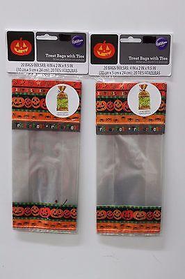 Halloween Popcorn Treat Bags (40 CT WILTON PUMPKIN TREAT BAGS Happy Halloween Party Favors Candy Popcorn)