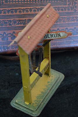 Altes Blechspielzeug, Städteanzeiger, Hamburg Berlin Stuttgart, Dresden