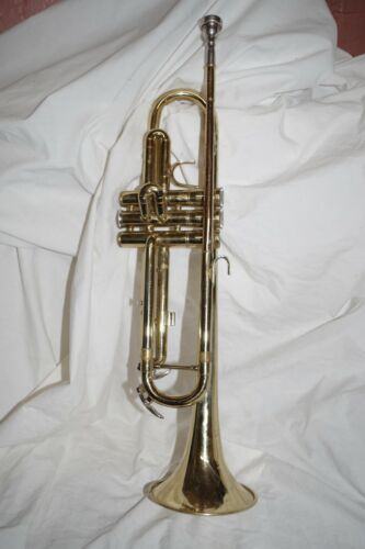 BLESSING BTR 1270 Brass Horn H31810 w/ Blessing 7-C Mouthpiece - As Is