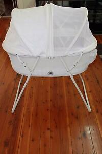 White Baby Bassinet with Misquote & Toddlers Proof Granville Parramatta Area Preview