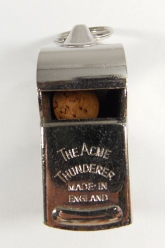 VINTAGE ACME Model 58 THUNDERER WHISTLE Made in England Referee Latin Waterproof