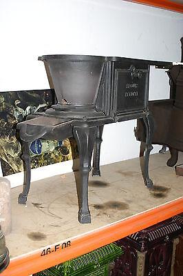 Herd Küchenhexe Gussofen Kanonenofen Deville Ofen Jugendstil Art Deko Loft