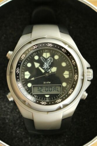 IMMACULATE UN-ISSUED INSCRIBED ADI IDF BLK/BLK WR20 CHRONOGRAPH WATCH + BOX SET