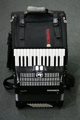 Hohner Bravo II 48 Black 48-Bass 26-SilentKey Chromatic Piano Accordion In Bag