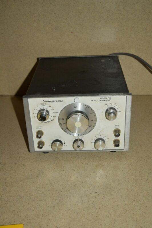 <SS> WAVETEK MODEL 142 HF VCG GENERATOR (YY)