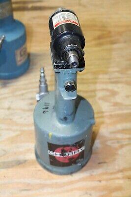 Cherry G744 Pneumatic Riveter Rivet Gun