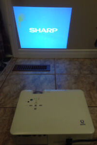 Sharp notevision computer projector model AG-A10X