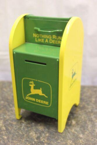 1998 GEARBOX JOHN DEERE LIMITED EDITION MAILBOX COIN BANK & KEY E15397-4 (A)