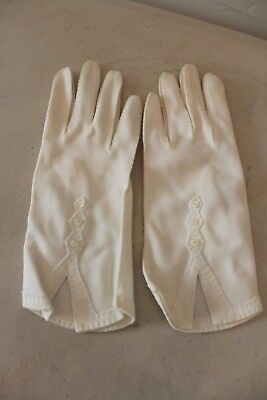 Women's Vintage Ivory Gloves Buttons Sz 6 L#1065