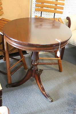 Vintage Mahogany Duncan Phyfe End / Round Table