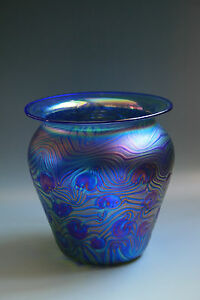 Bohemian-Art-Nouevau-Jugendstil-Glass-Vase-Iridescent-Glass