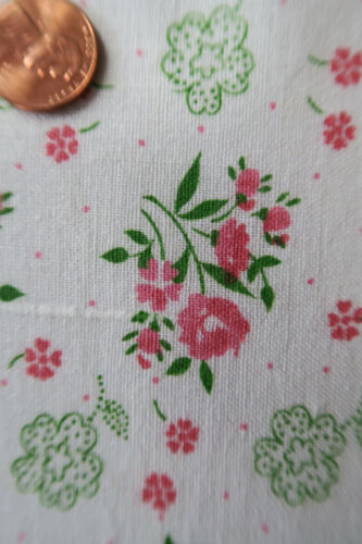 ONE VINTAGE FEEDSACK  PINK  FLOWERS & TINY  DOTS  37x44  PRISTINE!