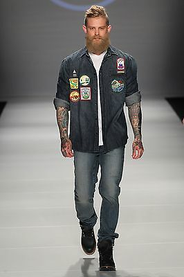[Edward James/FilmMagic]/[Toronto Fashion Week]/Getty Images