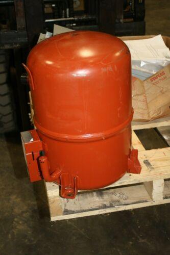 Trane 6.5 Ton CRHH062KOC100N Refrigeration Compressor 460V