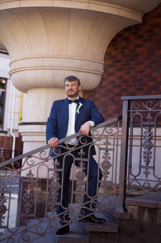 Eine Fliege bei einem Hochzeitsanzug ist ein toller Blickfang und eine gute Alternative zur Krawatte (Foto: Thinkstock)