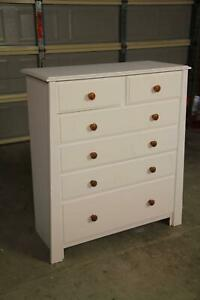 VGC white 6 drawers tallboy can deliver