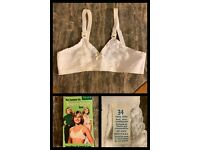 Vintage Girls Training Bra Teen White Seamless Nylon Stretch Cup Camisole Sz 34