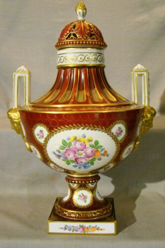"Large Elegant Dresden Saxonian Porcelain Covered Urn 16 3/4""h c.1901+"