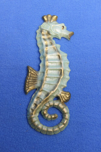 """Vintage Chalkware 6 1/2"""" Tall Seahorse Wall Hanging Plaque Mint Green Retro"""